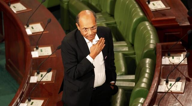 Sabon Shugaban Tunisia Moncef Marzouki yayin rantsuwar kama aiki