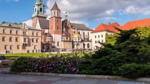 La cathédrale du Wawel, ou basilique-cathédrale Saints-Stanislas-et-Venceslas de Cracovie.