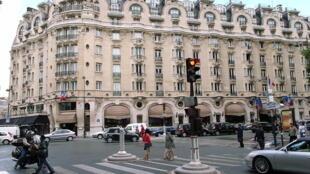 Отель «Лютеция» (2007)