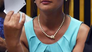 Sabrina Hout