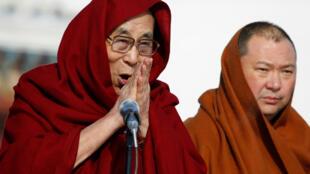图为达赖喇嘛在蒙古乌兰巴托访问