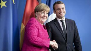 法國總統馬克龍勝選後與德國總理默克爾會晤 2017年5月15日
