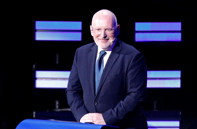 O vice-presidente da Comissão Europeia, Frans Timmermans, é rejeitado pelo grupo de Visegrado, formado pela Hungria, Polônia, República Tcheca e Eslováquia.