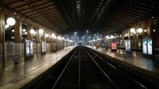 Gare du Nord, nhà ga đường sắt lớn tại thủ đô Paris sáng 5/12/2019, ngày tổng đình công.