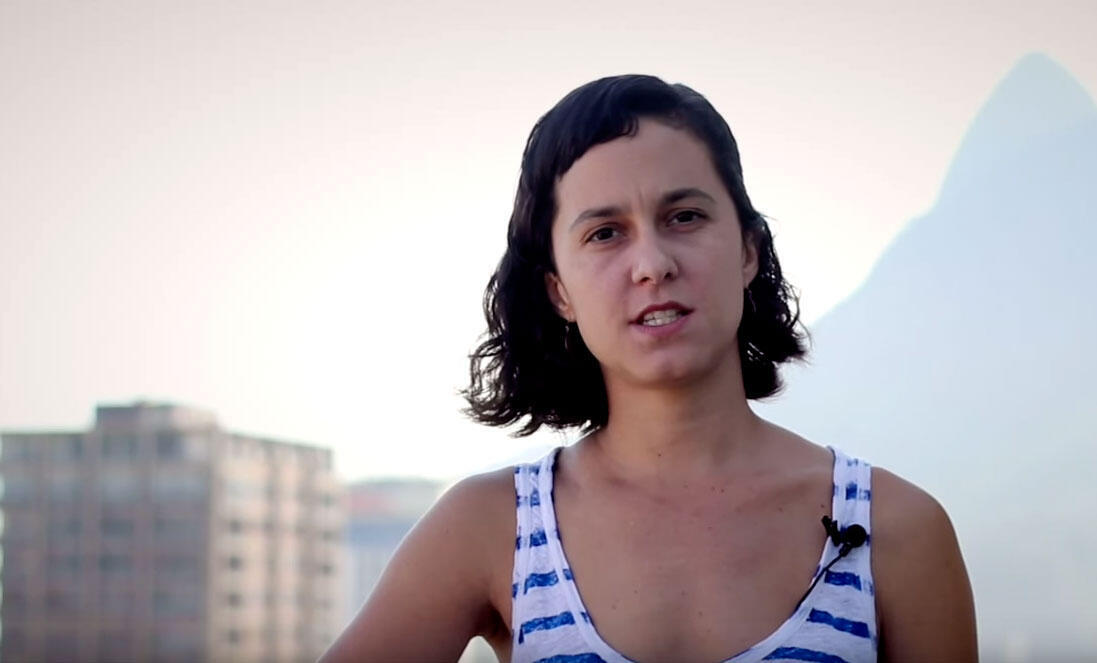 A artista Celina Portella