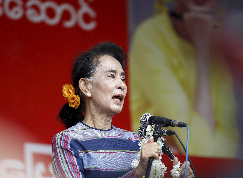 Aung San Suu Kyi lors d'un meeting de la Ligue nationale pour la démocratie, le 6 septembre 2015, dans l'Etat de Shan, en Birmanie.