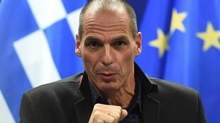 Yanis Varoufakis, minsitro griego de Finanzas, en rueda de prensa, tras el Eurogrupo de este lunes