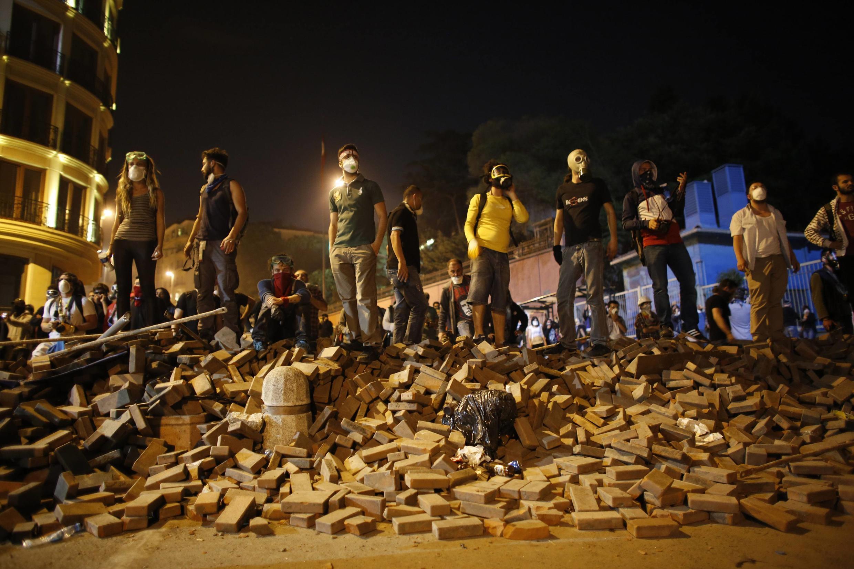 Une barricade à Istanbul, le 3 juin 2013.