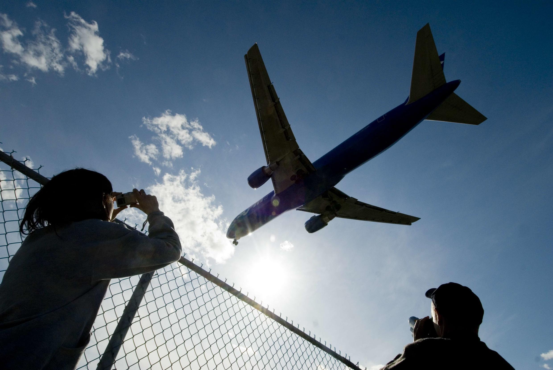 Reabertura a 16 de Julho do espaço aéreo de São Tomé e Príncipe a voos comerciais provenientes de todos os países e também a retoma das ligações inter-ilhas por avião ou barco.