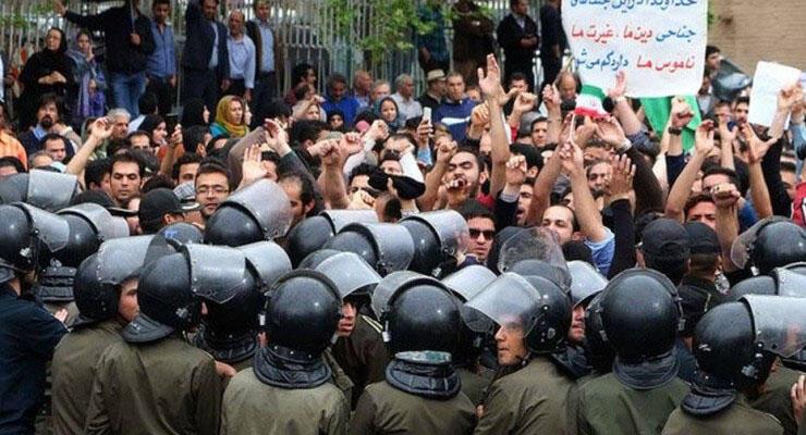 اعتراض تعدادی از فعالان سیاسی نسبت به برخوردهای خشن با معترضان