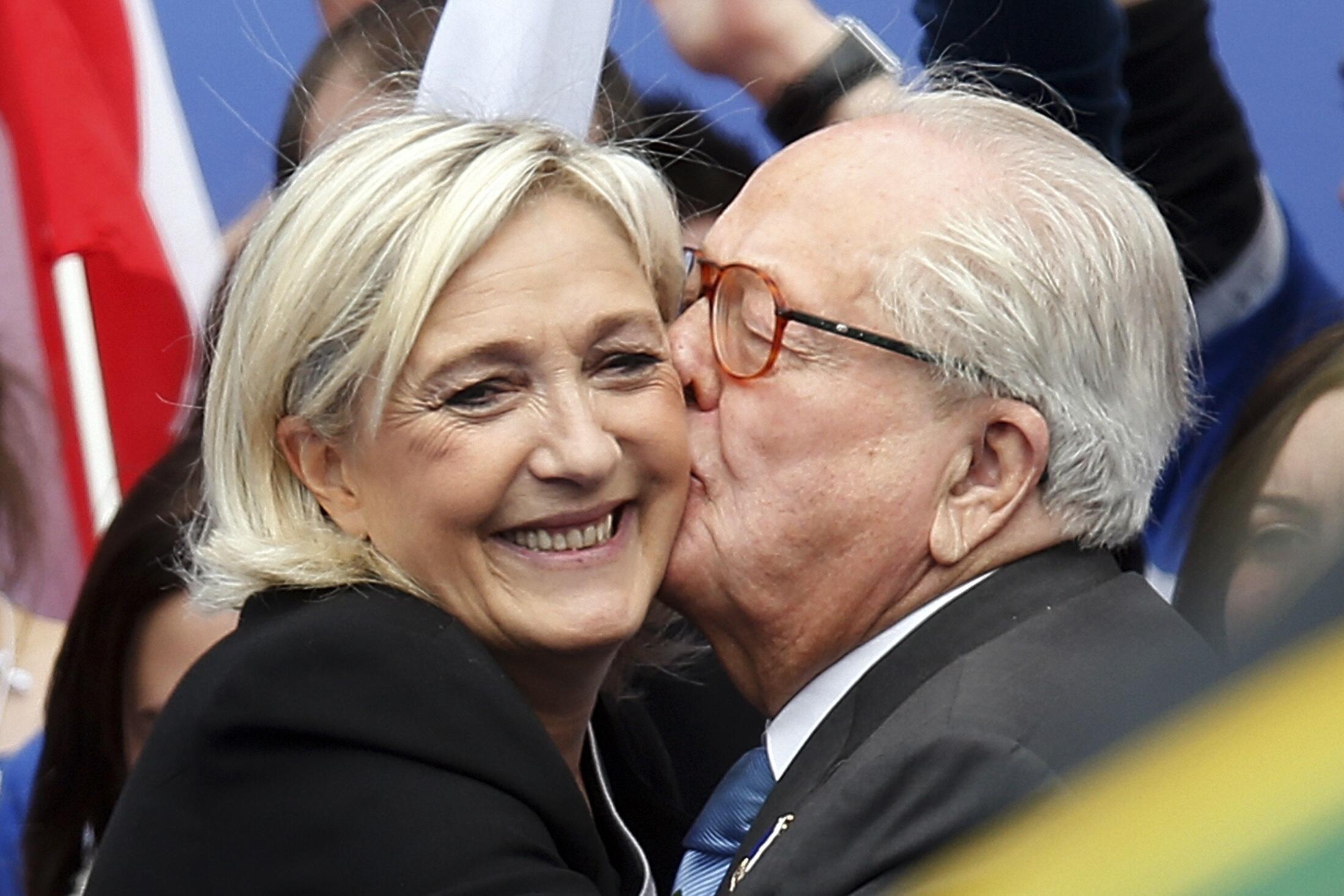 Весной 2015 года Марин Ле Пен избавилась от политического влияния слишком радикального отца, который стал помехой на пути развития Нацфронта