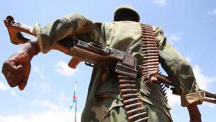 Eringeti, territoire de Beni, Nord Kivu, RD Congo. 5 décembre 2014 : Un militaire des Forces armées de la République démocratique du Congo (FARDC).