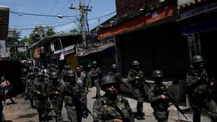Militares brasileiros na favela do Jacarezinho, no Rio de Janeiro.  16.02.2018.