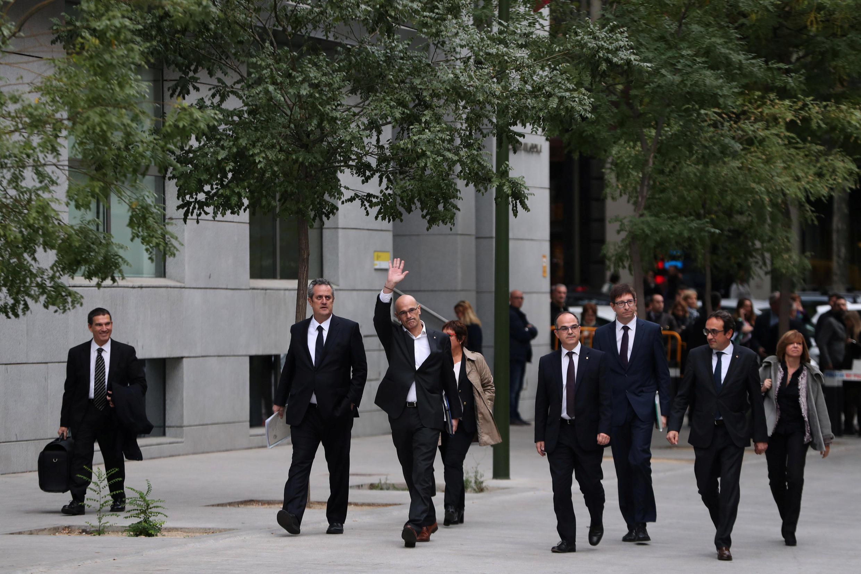 Los líderes independentistas catalanes llegando a Madrid para presentarse ante la justicia, 2 de noviembre 2017.