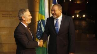 O ministro das Relações Exteriores do Brasil, Antonio Patriota encontrou o chanceler israelense, Avigdor Lieberman, em Jerusalém neste domingo.