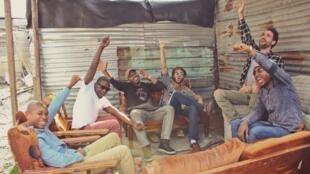 Native Young, adepte du «kasi pop», la «pop des township», où se mèlent marimba, guitare, basse, batterie.
