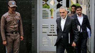 اعطای مرخصی زودهنگام به حسین فریدون، برادر حسن روحانی - تصویر آرشیوی