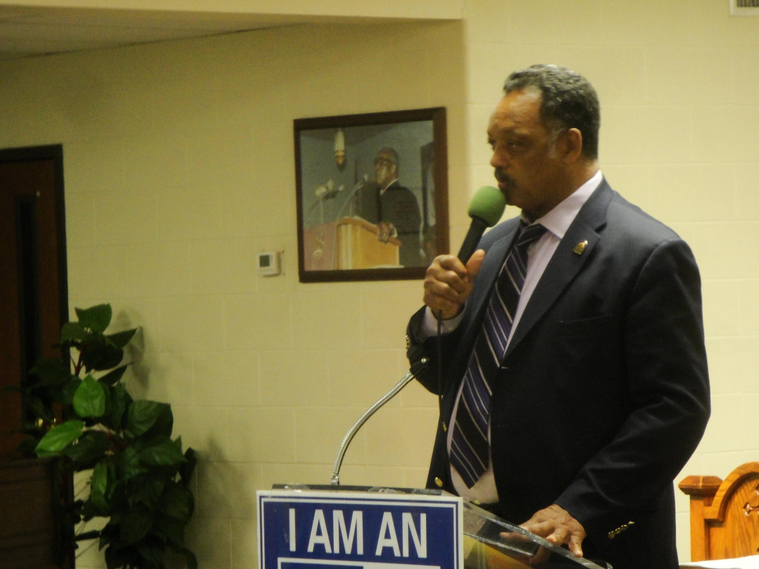 Jesse Jackson speaking at Greater New Hope church in Cincinatti