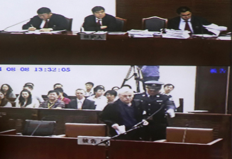 Ảnh chụp qua màn hình phiên tòa xử ông Peter Humphrey tại Thượng Hải ngày 08/08/2014.