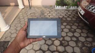 La première tablette conçue en Afrique par Verone Mankou, un Congolais de 25 ans. Le pays accuse un retard en termes de technologies.