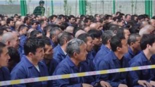中国新疆再教育集中营(资料图片)