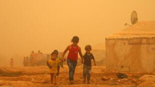 توفان شن در خاورمیانه قربانی گرفت