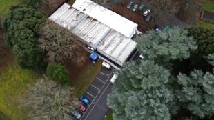 Morgue temporaire à Epsom, dans le comté du Surrey, en banlieue sud-ouest de Londres.