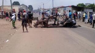 Barricade lors de la manifestation du mardi 20 octobre au matin, à Brazzaville.