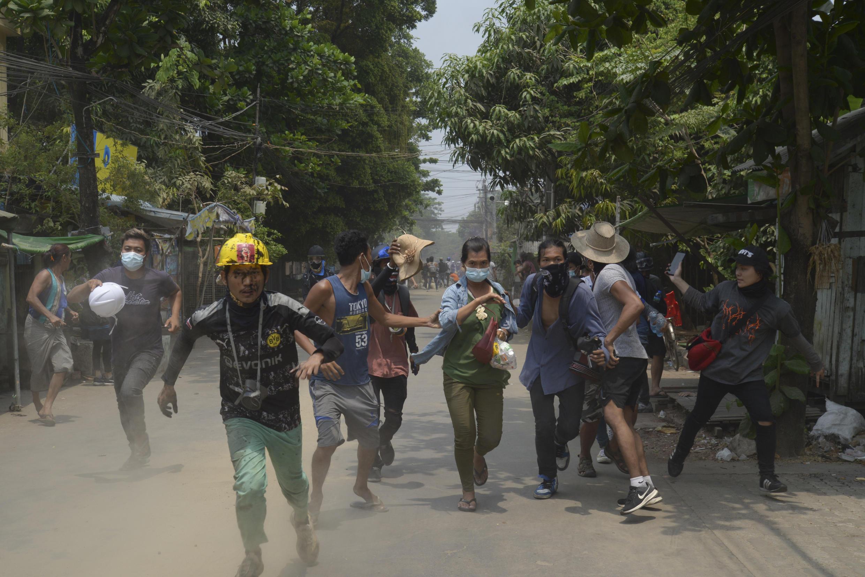 رسانه های دولتی میانمار، هشدار داده اند که «معترضان آشوبگر با سرکوب شدید نیروهای امنیتی روبرو خواهند شد».