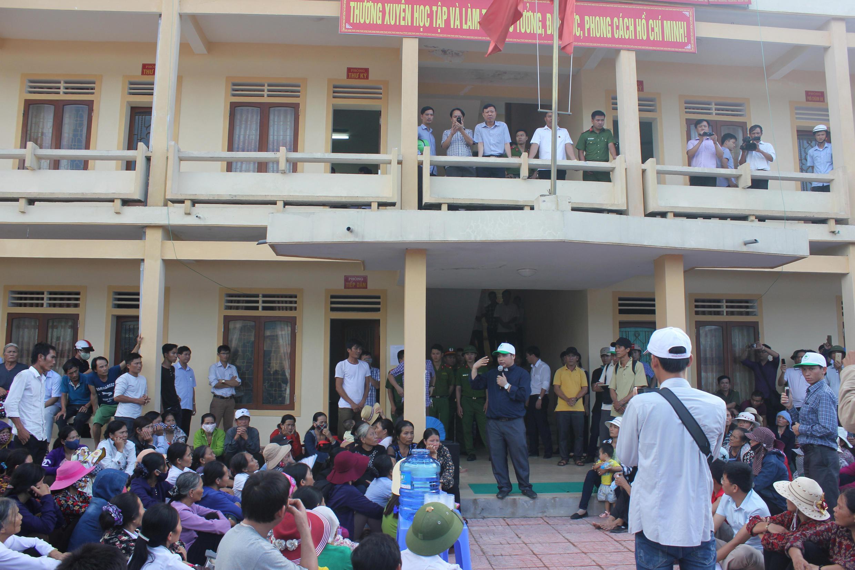 Các ngư dân tỉnh Hà Tĩnh biểu tình phản đối Formosa.