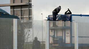 migrants calais camion france angleterre
