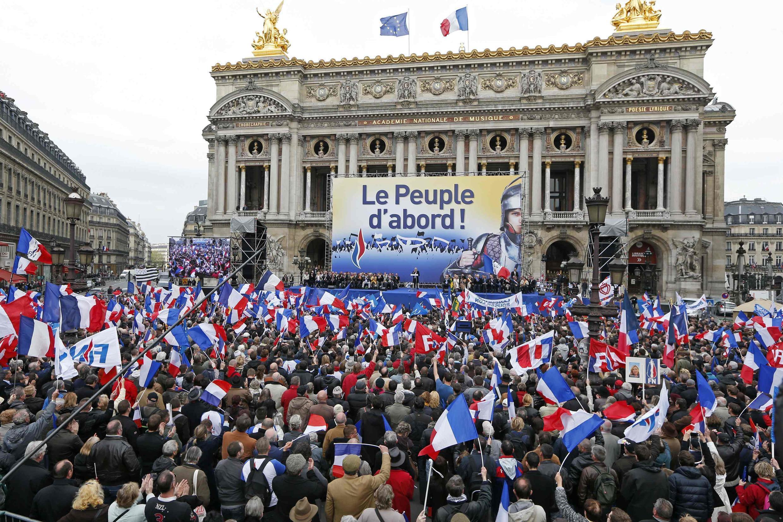 1er mai 2013: les partisans du Front national sur la place de l'Opéra à Paris.