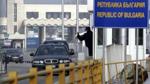 La France et l'Allemagne refusent actuellement l'entrée de la Bulgarie et de la Roumanie dans l'espace Schengen pour des raisons de sécurité.