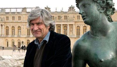 O artista italiano Giuseppe Penone, em Versalhes.