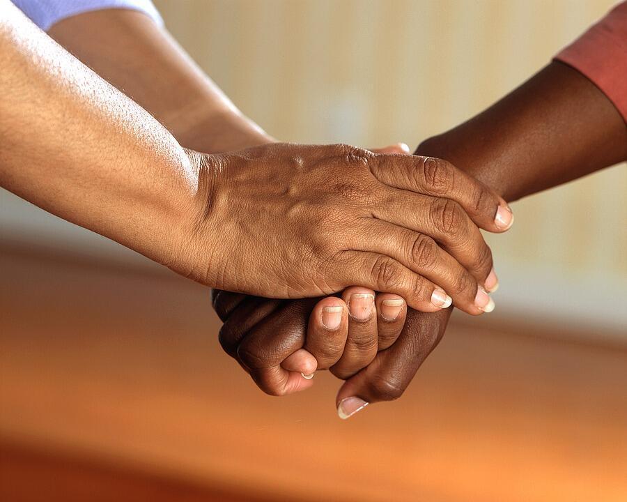 Les soins de support se font en association avec les traitements spécifiques contre le cancer éventuellement mis en place.