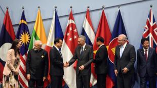 Líderes de países miembros se reúnen para negociar el acuerdo Asociación Económica Integral Regional (RCEP) en noviembre de 2018 y que se firma vía telemática en Vietnam