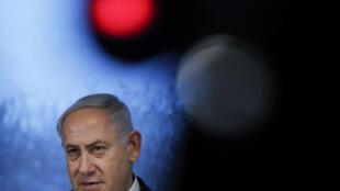 El primer ministro israelí Benjamin Netanyahu, descarta dimitir.