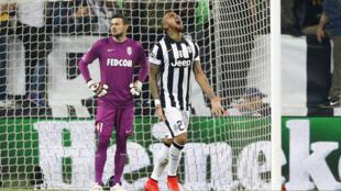 Juve's Vidal celebrates his goal against Monaco