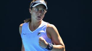 La argentina Nadia Podoroska cayó eliminada el jueves en la segunda ronda del Abierto de Miami.