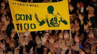Hinchas del Nantes rinden homenaje a Emiliano Sala, este 30 de enero de 2019 en Nantes.