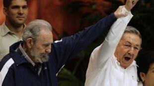 Le remplacement de Fidel  Castro par son frère Raul à la tête du Parti n'a surpris personne.