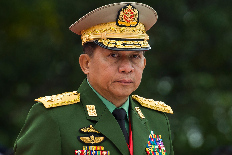 El jefe del ejército birmano, Min Aung Hlaing, durante una ceremonia para conmemorar el 71º aniversario del Día de los Mártires en Rangún, el 19 de julio de 2018