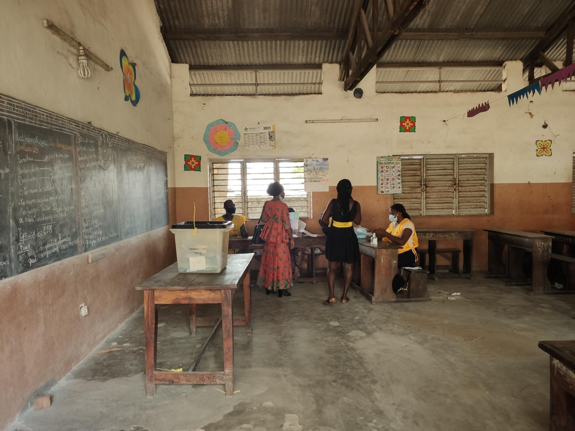 IMAGE Opération de vote à Cotonou, au Bénin, lors de la présidentielle du 11 avril 2021.