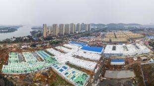 武汉火神山医院10天建成移交给军队2020年2月2日