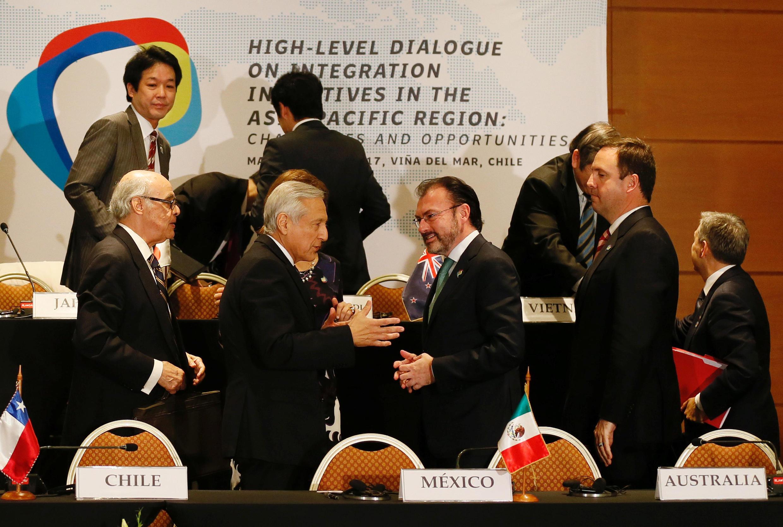 """2017年 3月15日,11個跨太平洋戰略合作夥伴關係協定簽署國與中韓兩國外長在智力舉行會議,尋求尋求""""促進亞太地區經濟一體化""""。"""