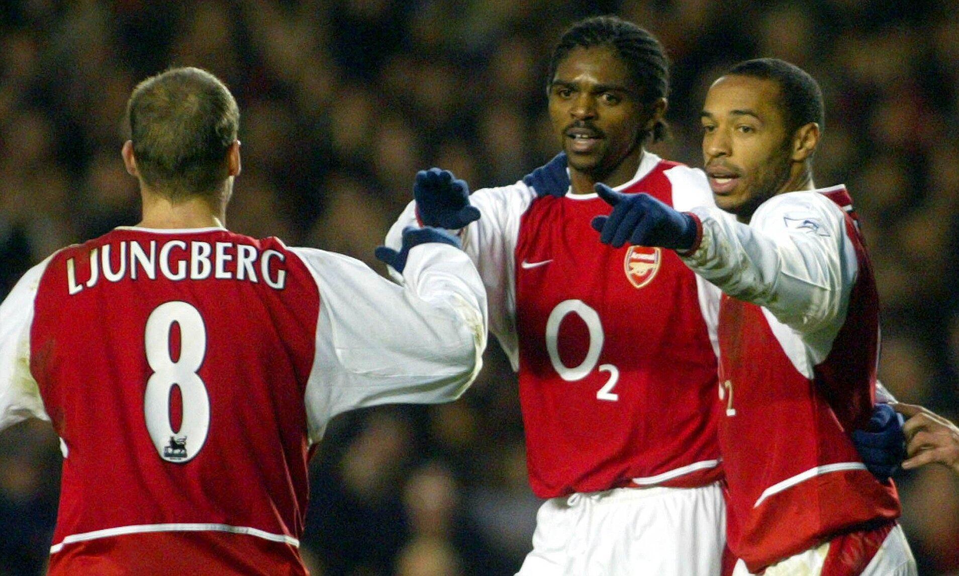 Tsohon dan wasan Arsenal Nwankwo Kanu, tare da abokan wasansa Thierry Henry da Lungberg.