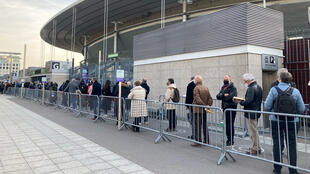 France - File attente vaccination - Stade de France