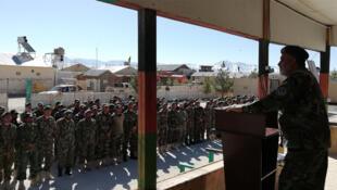 Le général Raziq Safi s'adresse chaque semaine à ses troupes.