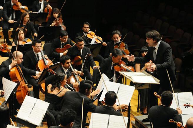 Bruno Mantovani en Caracas. © Sistema Nacional de Orquestas y Coros Juveniles e Infantiles de Venezuela