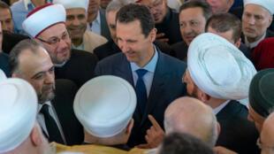 Le président syrien Bachar el-Assad à la mosquée, le 21 août 2018 à Damas.